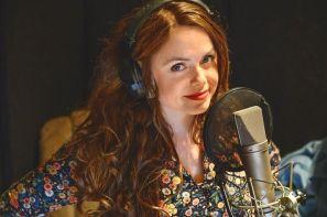 Lykke Kristine Moen leser inn episode 3 på De fremmede-fredag 5. april 2019. Foto: Jørn Lavoll